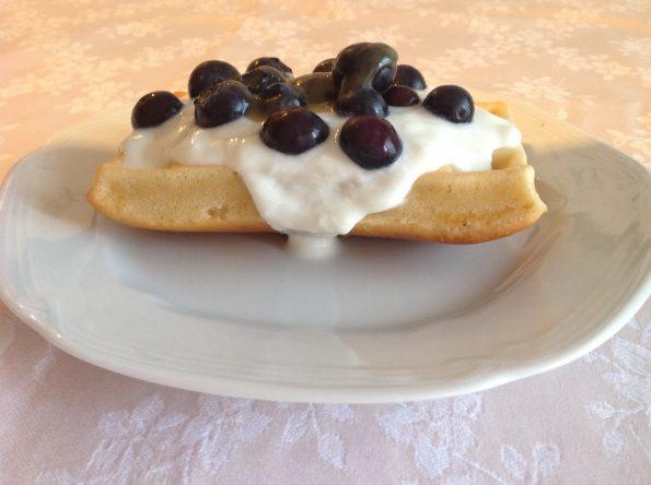 Waffle con farina di farro e yogurt